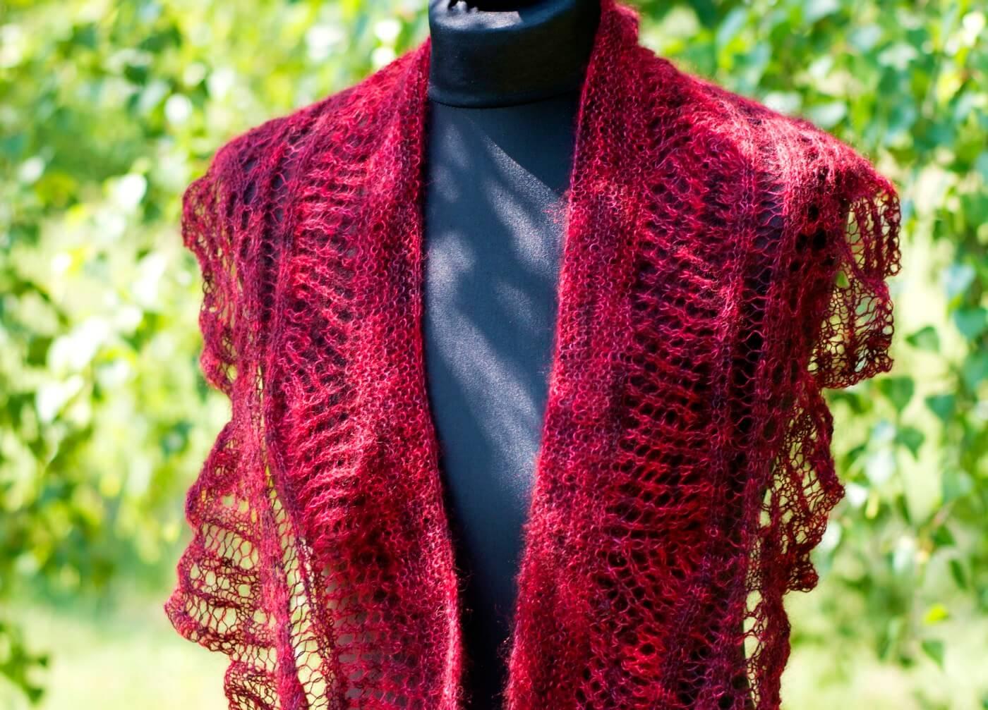 Gestricktes Lace-Tuch Baccara - stricken und häkeln