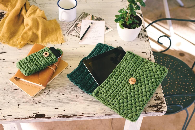 Gehäkelte Tablet-Tasche
