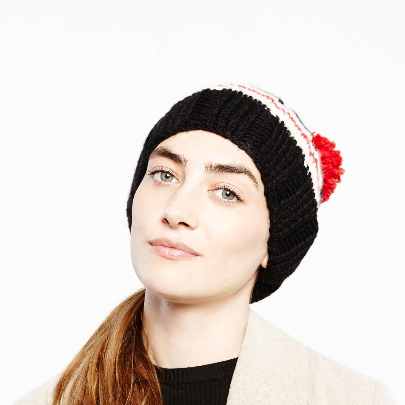 Basic Bommel-Mütze mit Zierstreifen