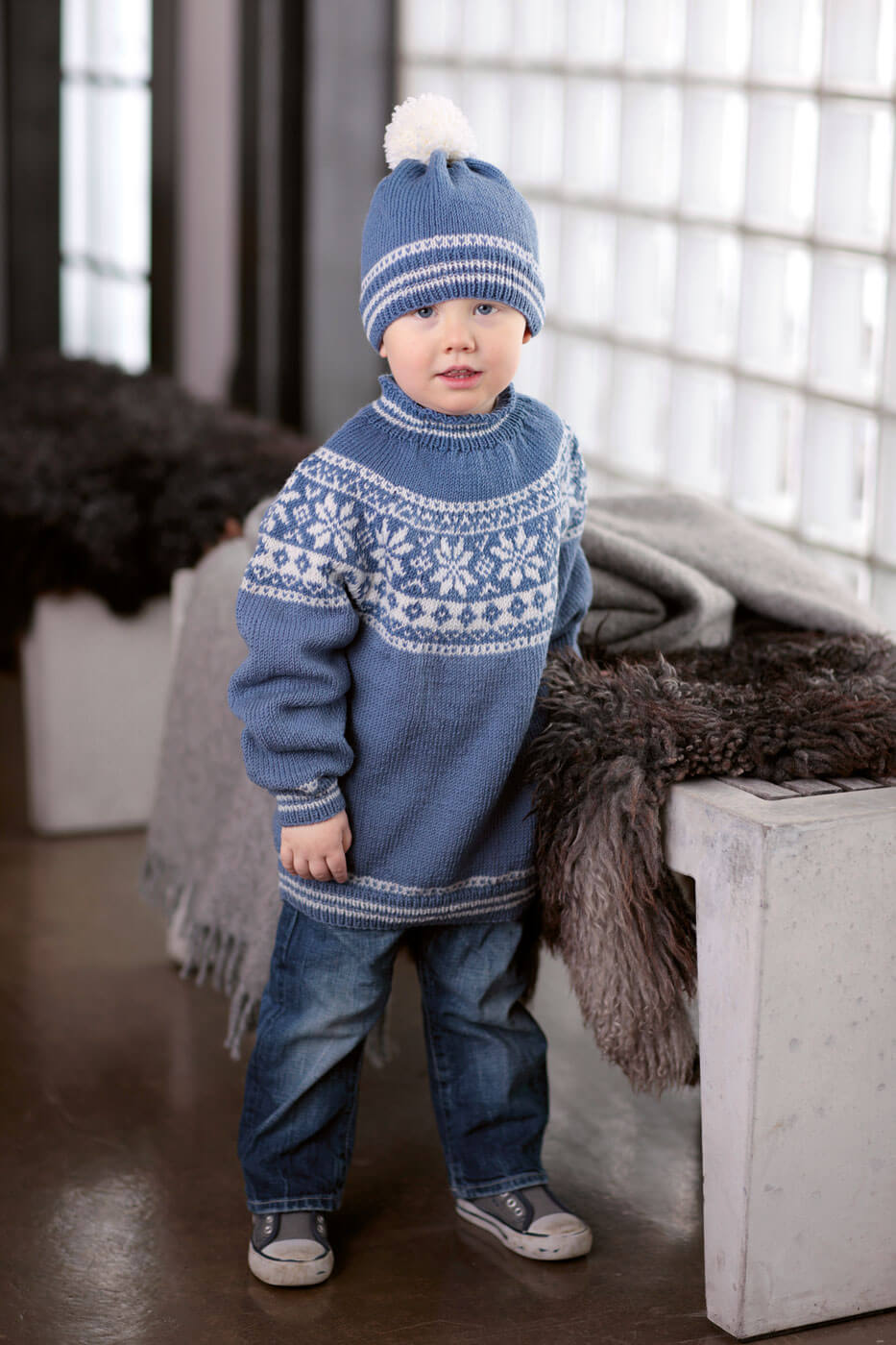 Kinder-Norwegerpulli mit Rundpasse und Mütze