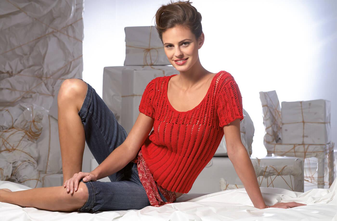 Damenshirt mit Rippen- und Lochmuster